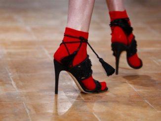 Inverno 2018-2019: i sandali più cool si indossano con i calzini