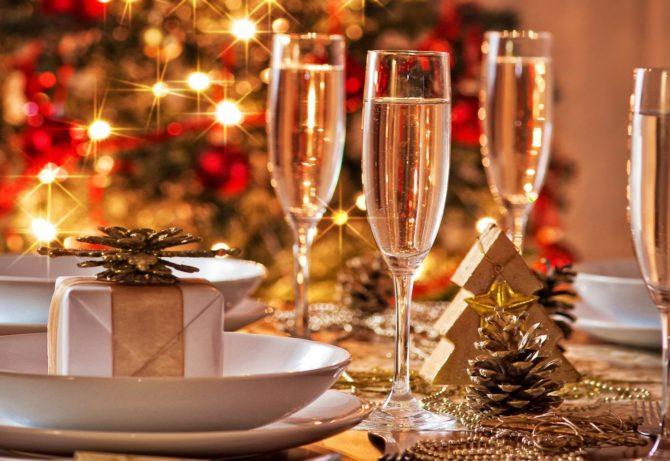 Galateo Natalizio: regali, pranzi, feste