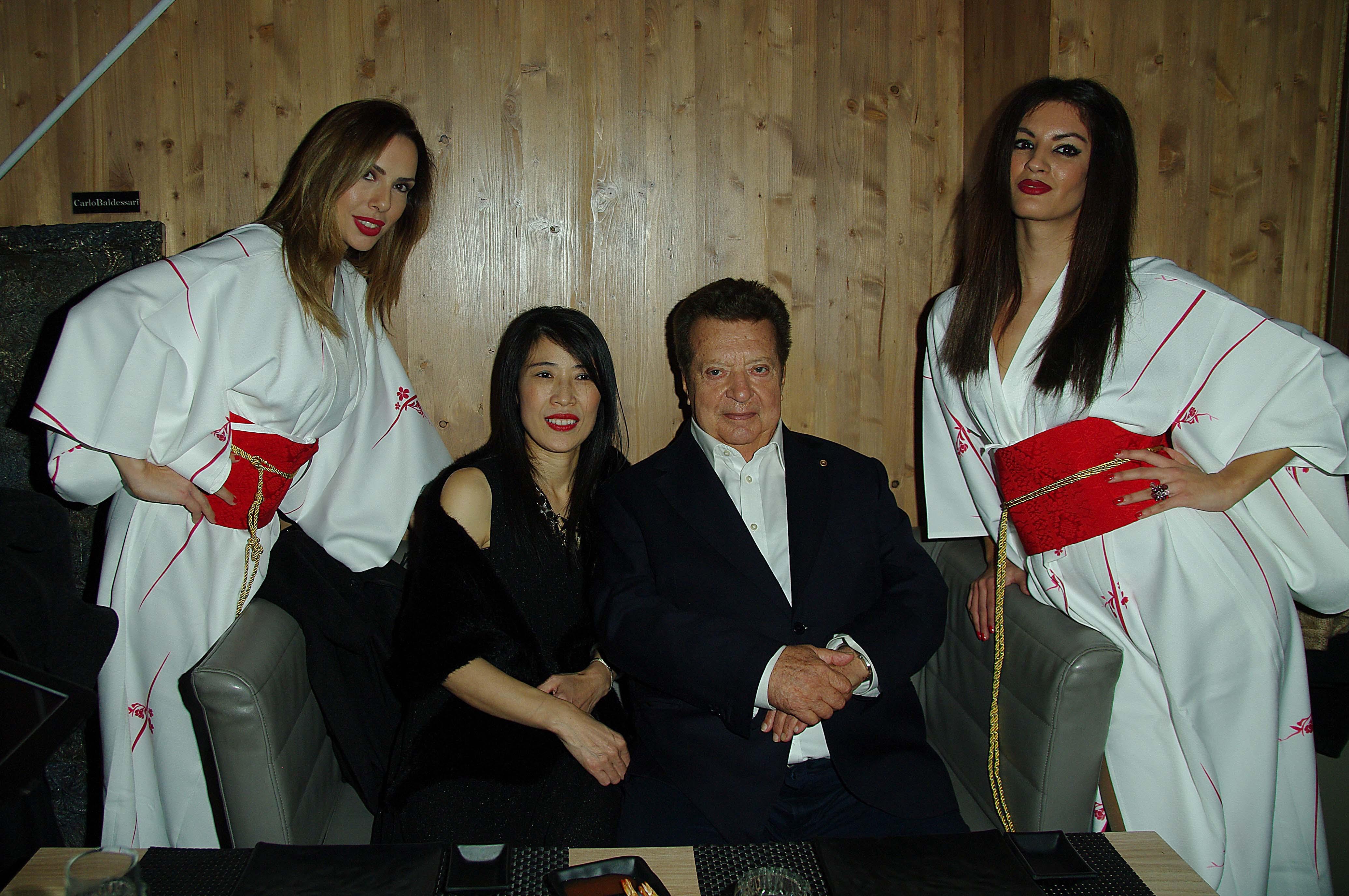 PARTY ESCLUSIVO AL MOKU JAPAN SUSHI CHE COMPIE DUE ANNI INSIEME A CHARLIE GNOCCHI CHE NE COMPIE UN PO DI PIU'