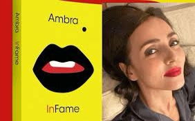 """Ambra Angiolini, pubblicato il suo primo romanzo: """"I figli mi hanno salvato dalla bulimia"""""""