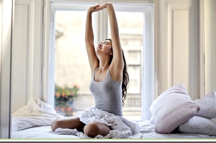 Svegliarsi di primo mattino: ecco perché conviene farlo