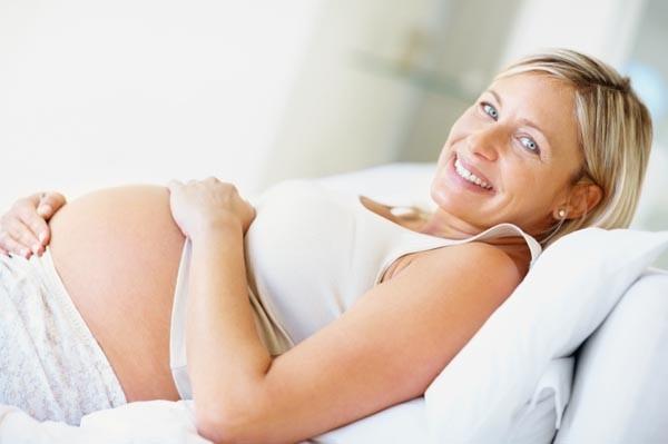 Diventare mamma a 20, a 30 e a 40 anni: cosa